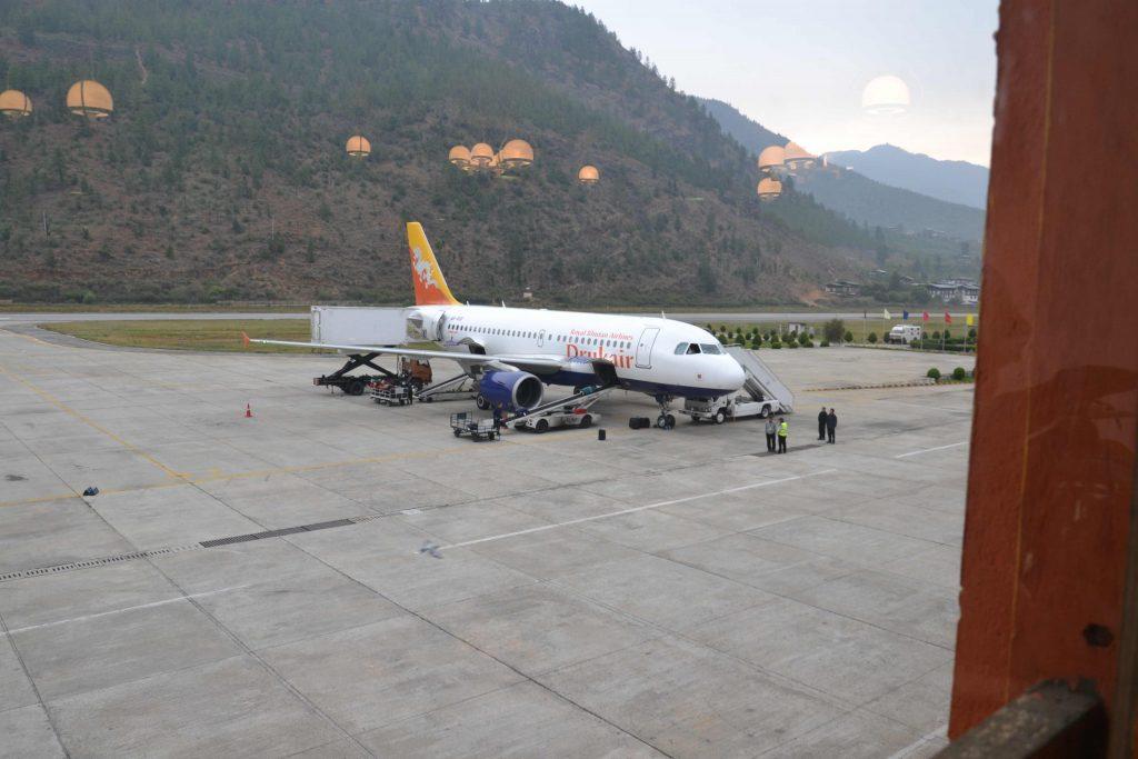 Die Bhutan Air in Paro